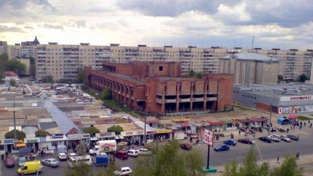 Біля львівського аквапарку знесуть ринок та збудують одразу два ТРЦ