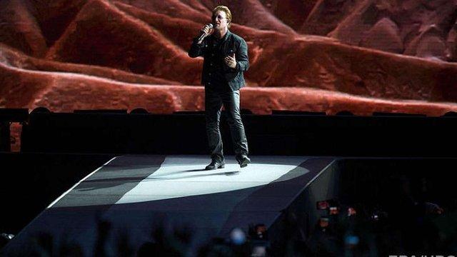 Виступ U2 у Берліні скасували через проблеми з голосом у Боно