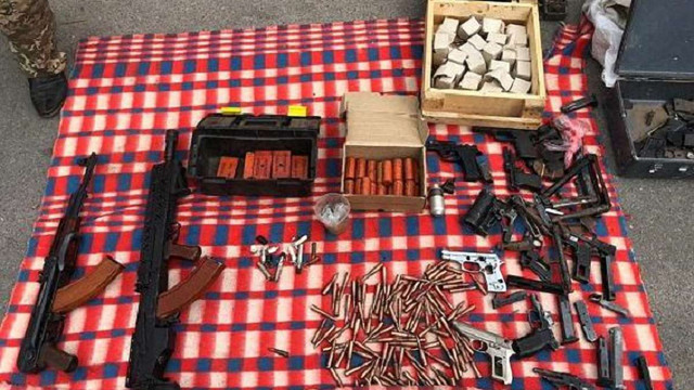 На Дніпропетровщині затримали угрупування, яке займалося наркоторгівлею і замовними вбивствами