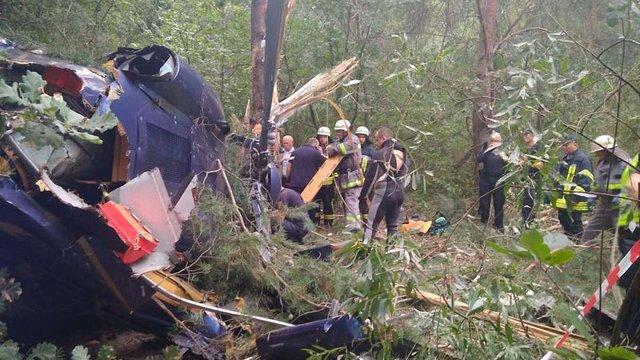 У Києві внаслідок падіння гелікоптера постраждали двоє людей