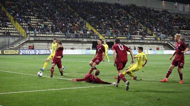 Гравець львівських «Карпат» Мар'ян Швед забив яскравий гол за молодіжну збірну України