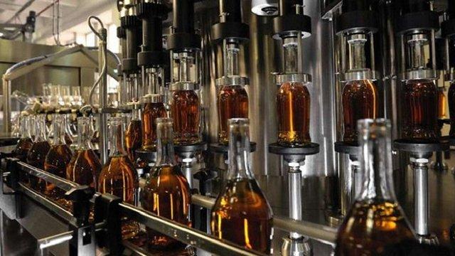 Українські виробники коньяку погодились змінити назву напою на вимогу асоціації з ЄС