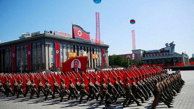 Військовий парад на честь 70-річчя КНДР пройшов без міжконтинентальних балістичних ракет