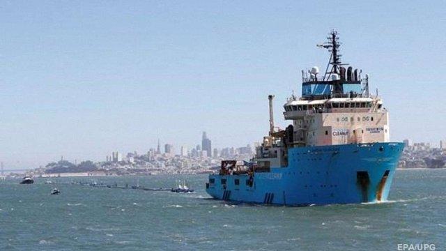 Біля берегів США запустили систему для збору пластику в океані
