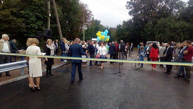 У Бориславі відремонтований міст закрили відразу після урочистого відкриття