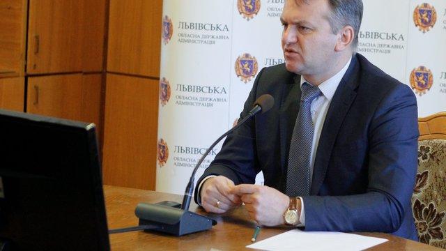 Синютка доручив обмежити рекламу працевлаштування українців за кордоном