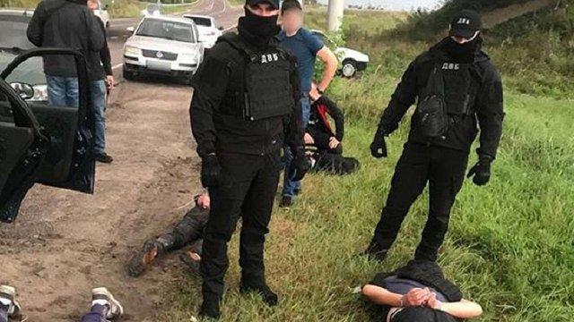 Поліція затримала озброєних грабіжників за розбої на Львівщині
