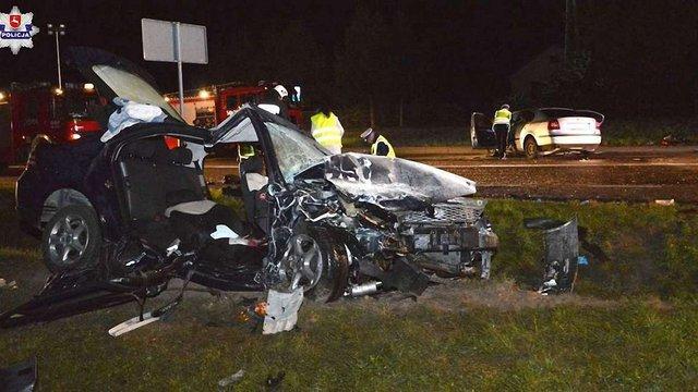 Біля кордону у Польщі зіткнулися українські авто: 19-річна дівчина загинула, шестеро травмованих