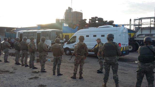 На Харківщині затримали 50 людей після спроби рейдерського захоплення зерносховища