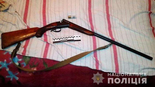 На Закарпатті боржник стріляв по комунальниках, які хотіли відключити його від електромережі