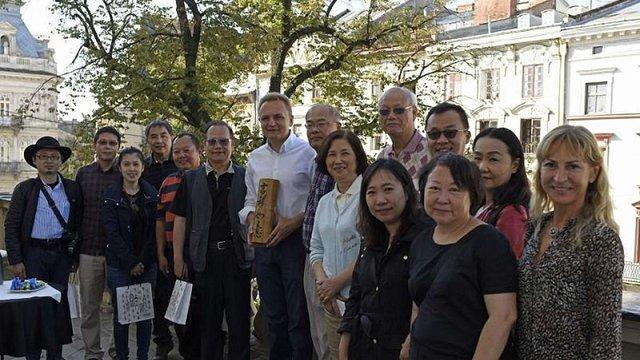 До Львова для налагодження співпраці прибули представники 13 туристичних компаній з КНР