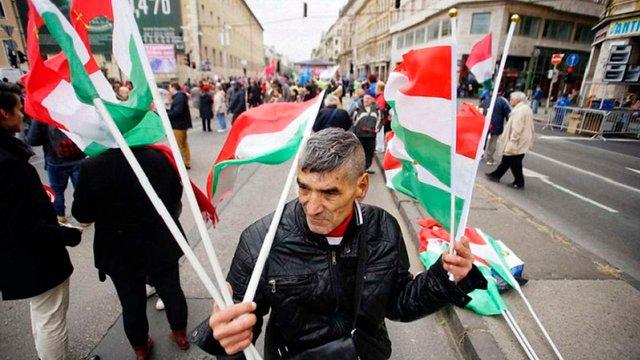 Європарламент підтримав запровадження санкцій ЄС проти Угорщини