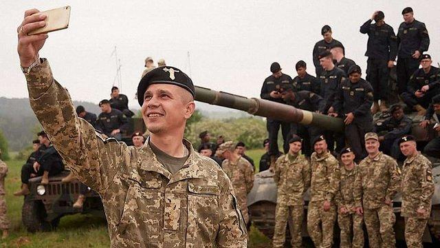 Найкращий танкіст ЗСУ пішов з війська через квартирне питання