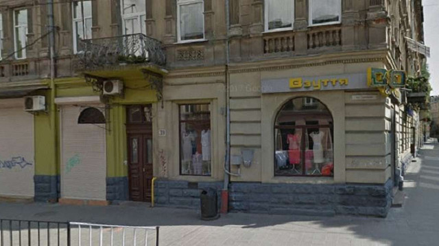 У Львові внаслідок падіння з другого поверху загинула 24-річна жінка