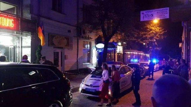У Тернополі відвідувач ресторану випав з тераси на 6 поверсі