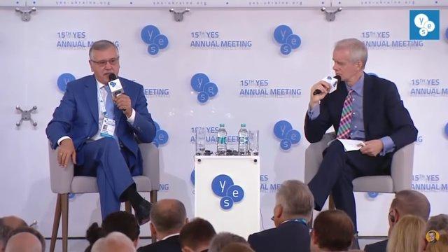 Модератор форуму YES докоряв Гриценкові неефективною роботою на посаді міністра оборони