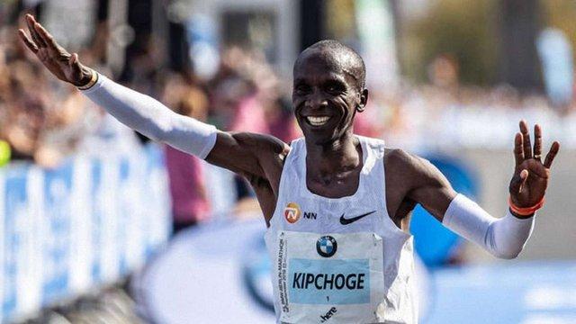 Кенійський бігун побив світовий рекорд марафонського забігу