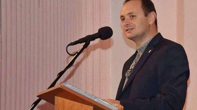 Мер Івано-Франківська розкритикував департаменти за малу кількість читачів у Facebook