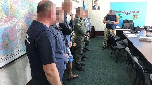 В академії Держприкордонслужби ім. Хмельницького поліція викрила «схему відкатів»