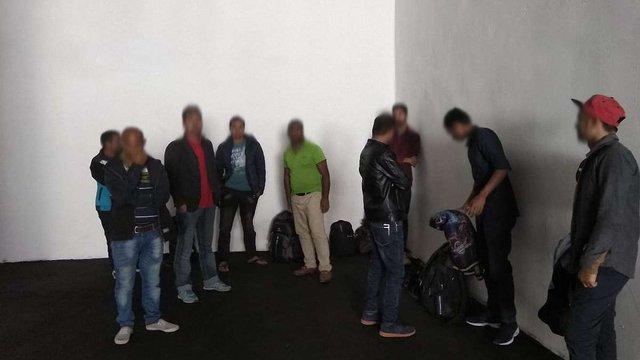На Одещині прикордонники затримали 15 нелегалів з країн Південної Азії