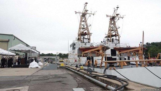 США передали Україні два катери класу Island