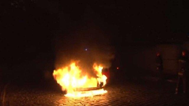У Львові під час руху в автомобілі загорівся моторний відсік