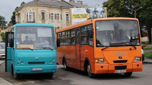 Після скарг пасажирів у Дрогобичі звільнили шість водіїв маршруток