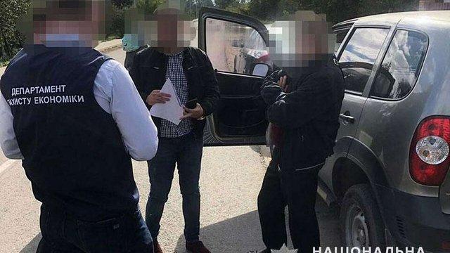 Мер Пустомит заявив, що хабар його заступнику підкинули прихильники виділення землі у Наварії