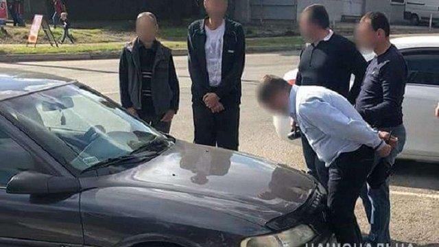 На Запоріжжі військового посадовця затримали за вимагання хабара