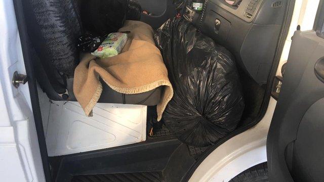 Через контрабанду паштету у мешканця Львівщини вилучили мікроавтобус