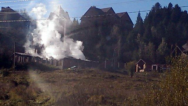 Під час пожежі у дерев'яному готелі у Східниці постраждали двоє білорусів