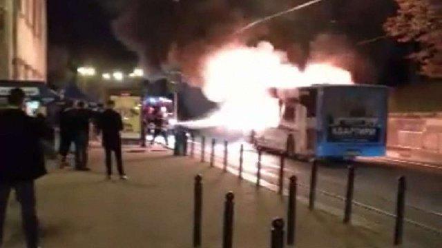 У центрі Львова під час руху загорівся маршрутний автобус
