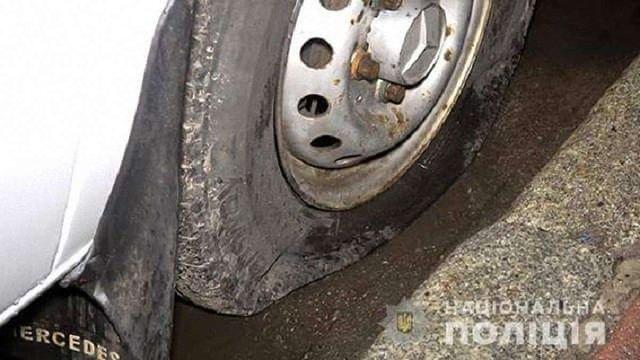 В Сумах група чоловіків порізала колеса 15 маршруток