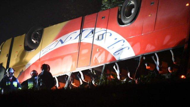 У крові водія українського автобуса, що розбився в Польщі, виявили психотропні речовини