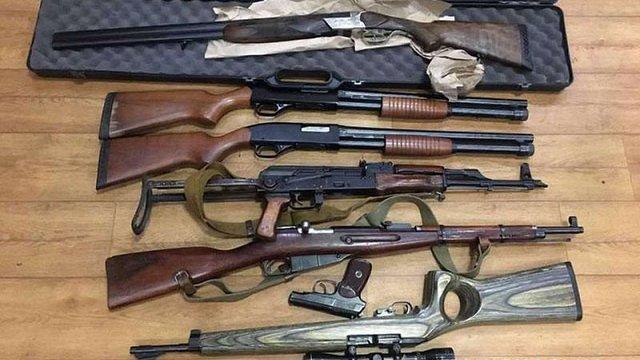 Жителька Слов'янська здала в поліцію мішок зі зброєю