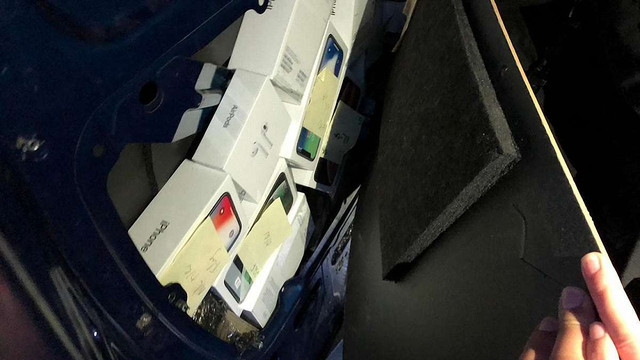У Раві-Руській затримали українця з 67 контрабандними iPhone