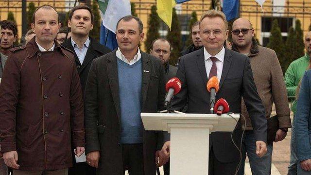 «Самопоміч» та «ДемАльянс» підтримали висунення Садового в президенти