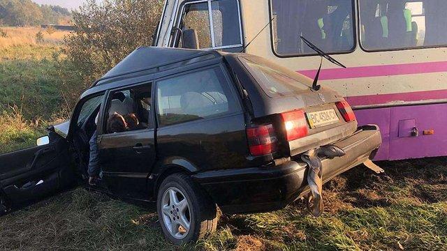 На Львівщині у ДТП з маршруткою загинули двоє 22-річних чоловіків