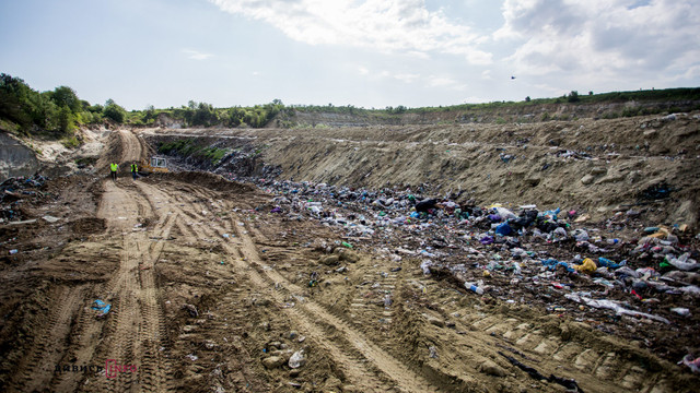 Миколаївська райрада проголосувала проти будівництва приватною фірмою нового полігону ТПВ