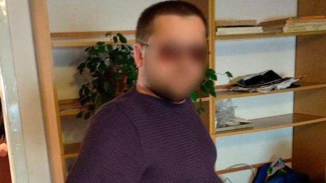 Львів'янина викрили на шахрайстві з використанням повідомлень про збір грошей на лікування дітей