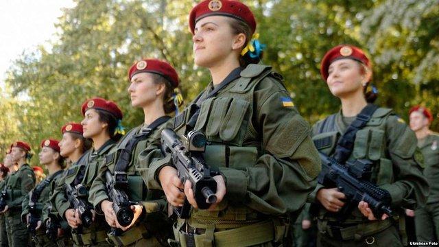 Порошенко закликав не вважати День захисника України чоловічим святом