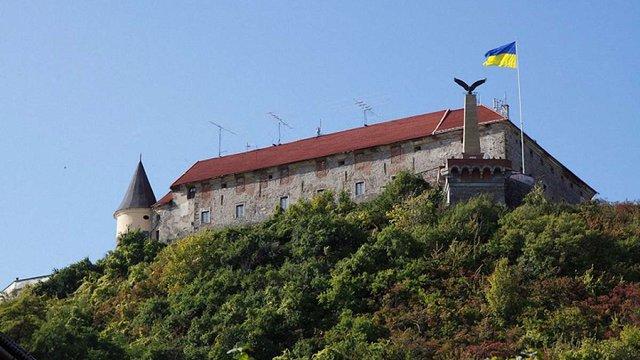 Угорського орла на Мукачівському замку можуть замінити на герб України, - ЗМІ