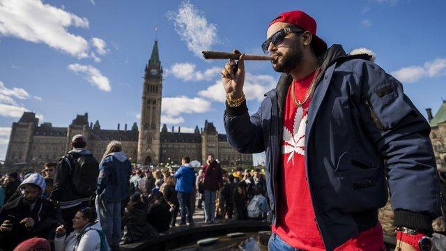 Канада повністю легалізувала використання марихуани