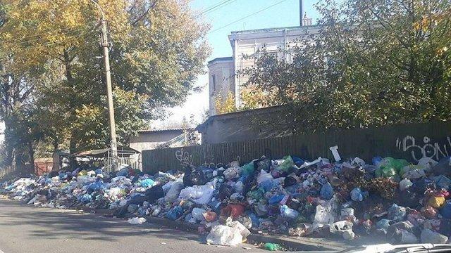Суд дозволив вивозити відходи на Дрогобицьке сміттєзвалище