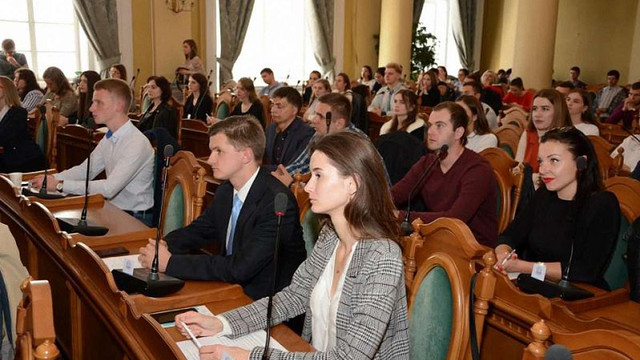 У Львівській міській раді відбулася перша молодіжна сесія