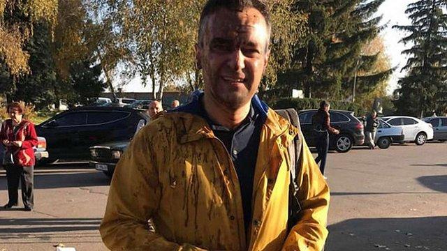 Тітушки на Полтавщині облили нечистотами відомого журналіста Дмитра Гнапа