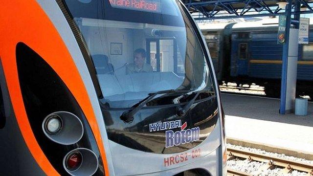 Туалети в потягах Hyundai за 4 млн грн модернізує фірма з одним працівником