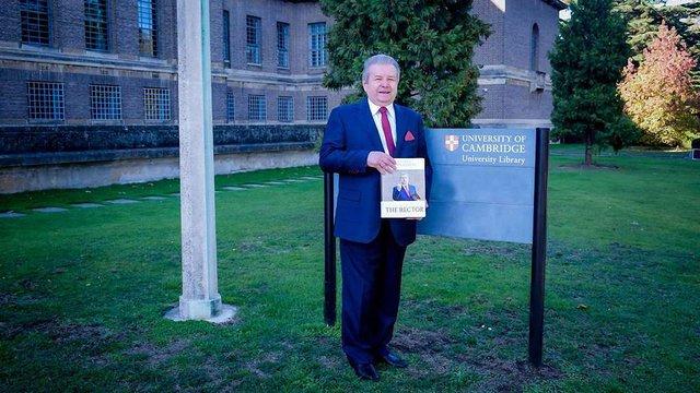 Михайло Поплавський презентував авторську книгу «Ректор» у Кембриджському університеті