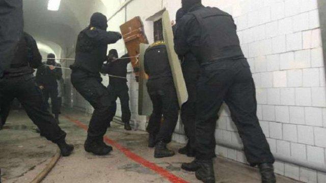 Поліція завершила розслідування у справі бунту бійців «Торнадо» в Лук'янівському СІЗО