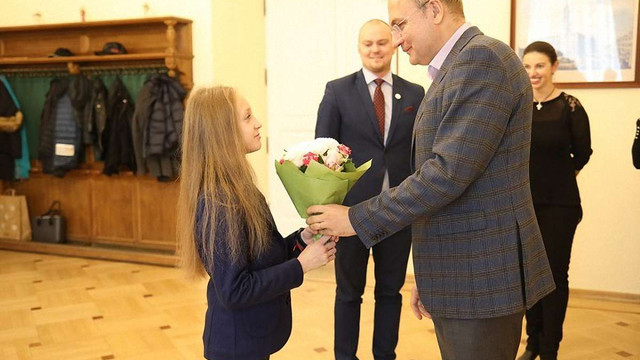 Гімнастку Христину Пограничну у Львові нагородили грошовою премією